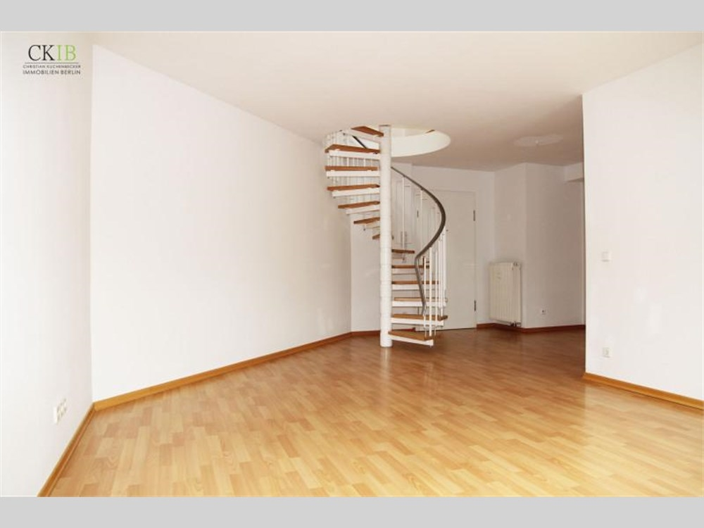 haus mit galerie im wohnzimmer raum und m beldesign inspiration. Black Bedroom Furniture Sets. Home Design Ideas