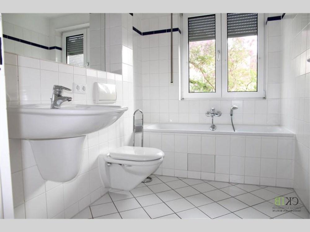 114 m maisonette wohnung in stadtvilla mit terrasse und gartenzugang wird gerade umfangreich. Black Bedroom Furniture Sets. Home Design Ideas